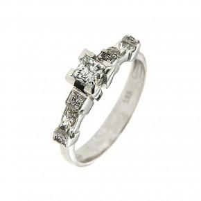 Δαχτυλίδι μονόπετρο λευκόχρυσο με πέτρες κοπής princess και Baguettes
